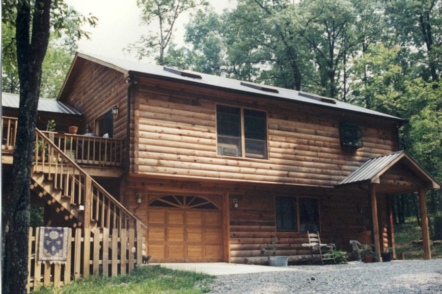 Exterior: Exterior Log Home & Cabin Pictures: Battle Creek Log Homes